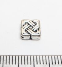Celtic Square spacer beads x 100. 7mm.